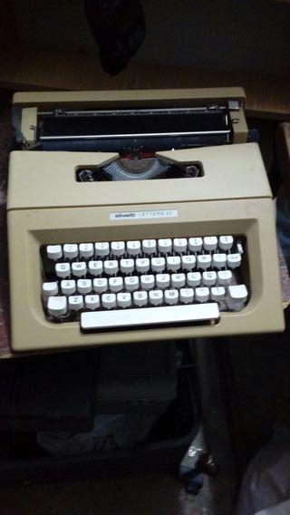 maquina de escribir en perfecto estado