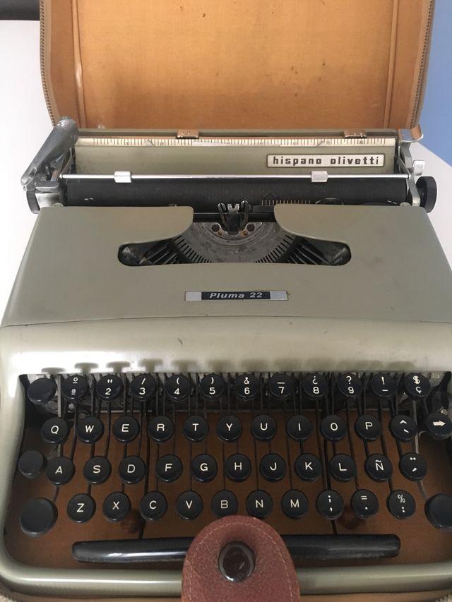 Máquina de escribir Olivetti