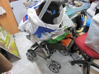 Carro bebé con todos los accesorios