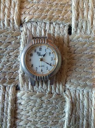 f802876938b9 Reloj antiguo de segunda mano en la provincia de Almería en WALLAPOP