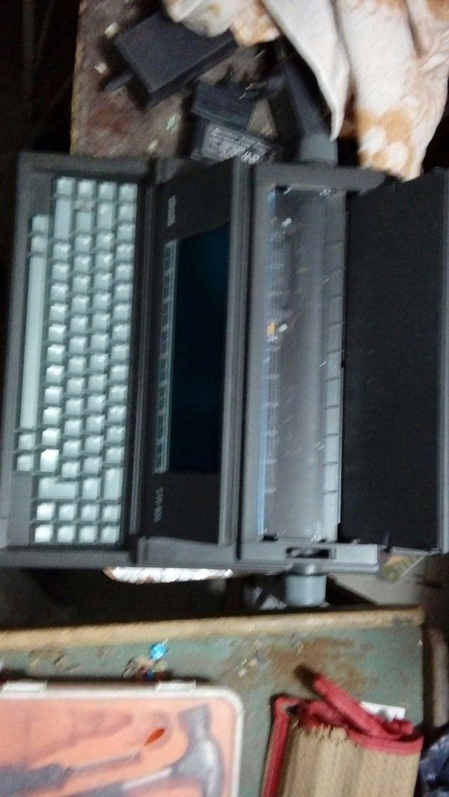 maquina de ecribir en perfecto estado
