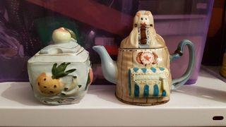 2 Azucareros de cerámica tallados a relieve