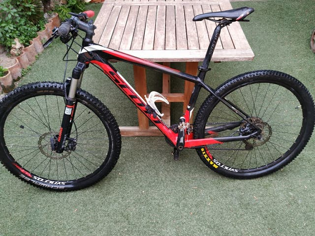 Bicicleta scott scale 735