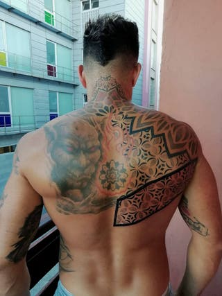 Tatuador para mas informacion 637165950