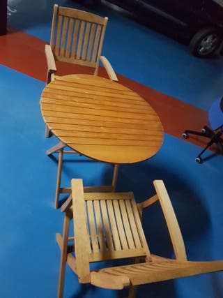Conjunto mesa y sillas de terraza de teka natural