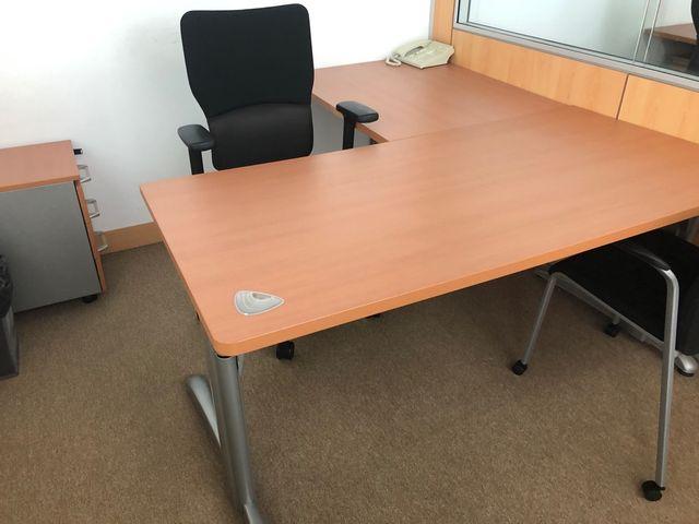 Mesa de oficina + ala