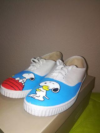 Zapatillas con dibujo de Snoopy
