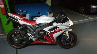 Yamaha r1 yzf