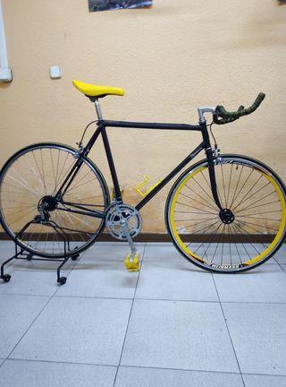 Bicicleta Peugeot de carretera