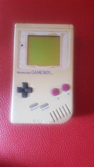 Gameboy con juego Tetris