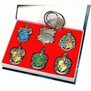Caja coleccionismo emblemas Harry Potter