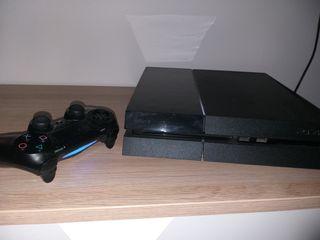 consola ps4 + 1 mando+2juegos