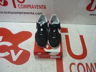 Playeras Nike Cortez Nylon negras blancas N38