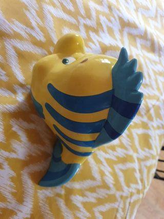 """Hucha """"La Sirenita"""" pez Flounder"""