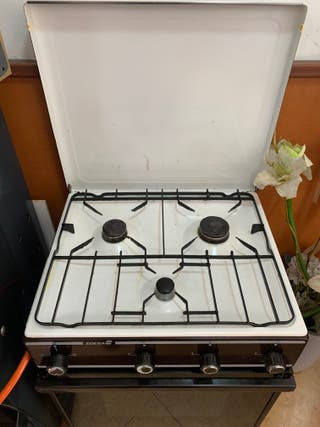 Cocina de casa con horno