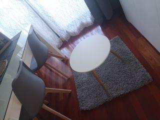 lote de mesa y alfombra