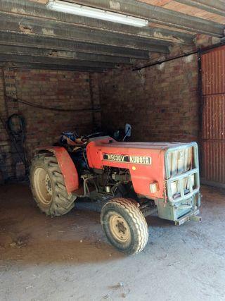 Tractor marca Kubota en Lleida