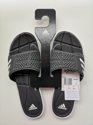 Chanclas Adidas Adipure con etiqueta 39 1/3