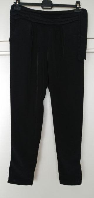 pantalón Bershka talla L negro.