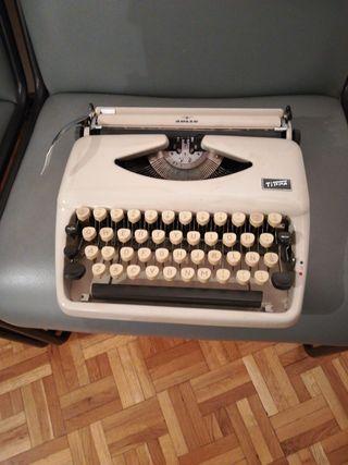 máquina de escribir mecanica