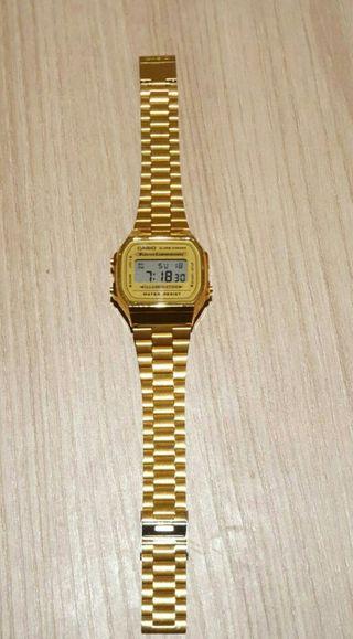 6d70d4c49b05 Reloj Casio dorado de segunda mano en WALLAPOP