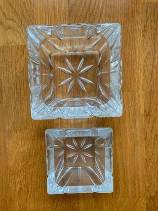Conjunto de 2 ceniceros en cristal tallado