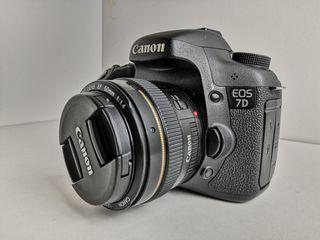 Vendo Canon 7D + objetivo Canon 50mm 1.4