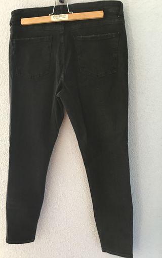 Vaqueros negros leggins con borde dorado de Zara