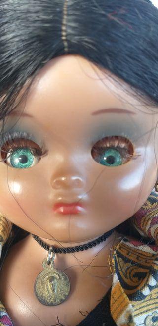 Antigua muñeca Linda Pirula