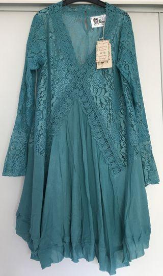 Vestido azul de encaje, sin estrenar