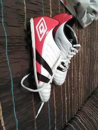 Botas de fútbol umbro n43