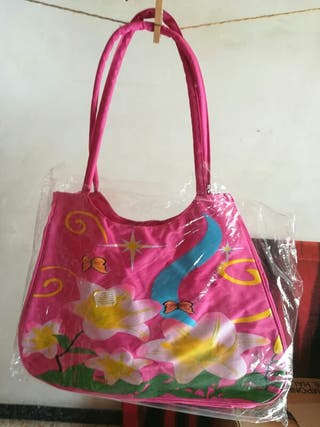 Bolsa rosa nueva