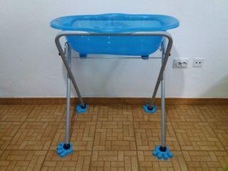 Cómoda bañera azul