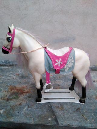 Nancy caballo grande