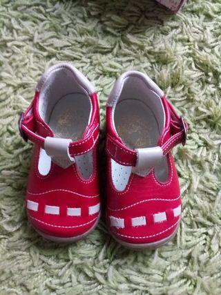 zapato rojo nuevos