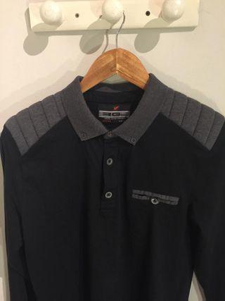 Camiseta con hombreras azul marino talla M