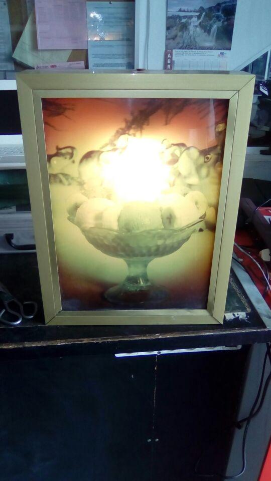 carteles luminosos heladeria