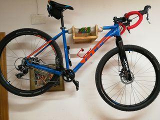 bicicleta carretera y pistas
