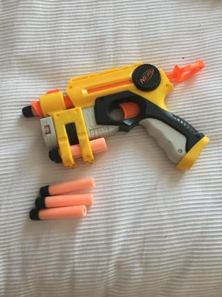 pistola Nerf con laser