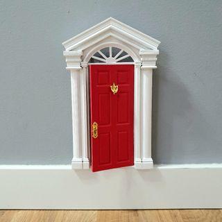 puerta ratoncito Pérez (mediana)