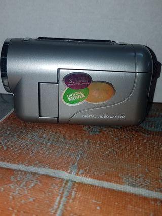 vendo mini cámara de vídeo zoom 4 X