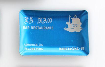 Cenicero vintage de aluminio, La Nau, azul celeste