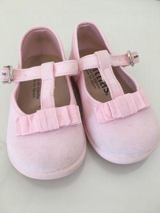 Zapatitos lona niña, color rosa. Talla 20