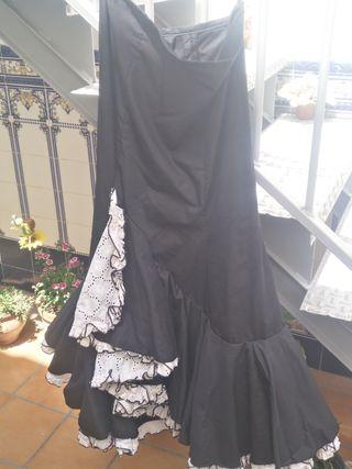 46ec16ca64 Falda flamenca blanca de segunda mano en WALLAPOP