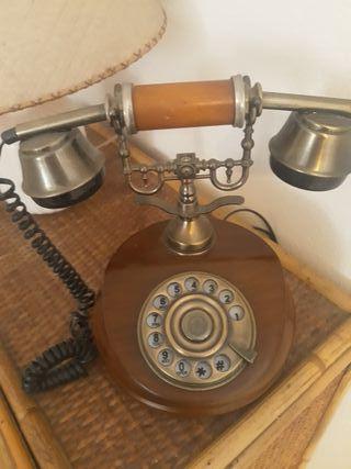 Teléfono antiguo madera