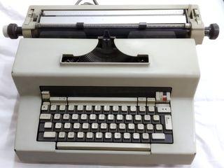 Máquina de escribi Olivetti modelo Editor 3