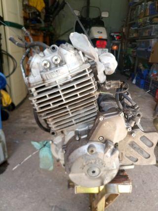 motor honda nx 650 Dominator