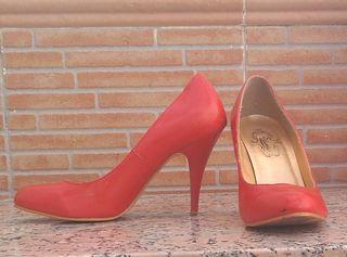 b96eaaff1 Zapatos de tacón rojos de segunda mano en Málaga en WALLAPOP