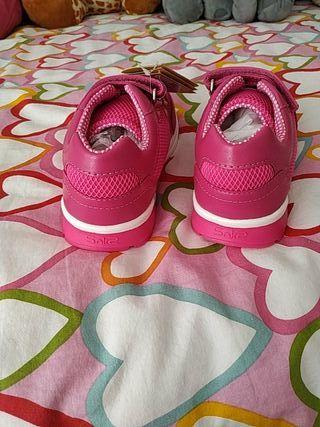 zapatillas niña SIN ESTRENAR CHICCO