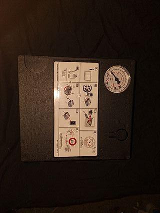 Compresor de aire AIRCOM + Sellador de pinchazos